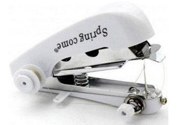 המוצר שכל בית חייב! מיני מכונת תפירה ידנית יעילה ושימושיתב35 ש