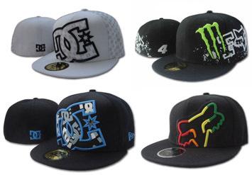 כובע סקייטבורד אופנתי במבחר ענק של דגמים ממגוון המותגים DC /...
