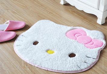 שטיח הלו קיטי לאמבטיה או לחדר הילדים נעים, מחמם ואיכותי במיוחד לשמח את הילדים והמבוגרים כאחד עם הדמות המוכרתב65 ש