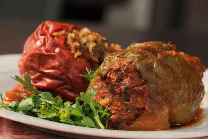 ארוחה זוגית במסעדת פרג'י בשוק הפשפשים ביפו הכוללת פתיחים, עי...
