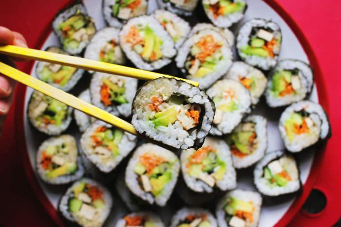 ארוחה אסייתית זוגית הכוללת סושי איכותי ברשת סושי פלוס הכשרה ...