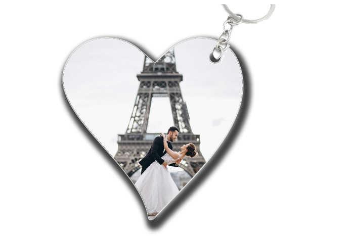 2 מחזיקי מפתחות בעיצוב אישי בצורת לב / מלבן עם תמונה והקדשה ב26 ש
